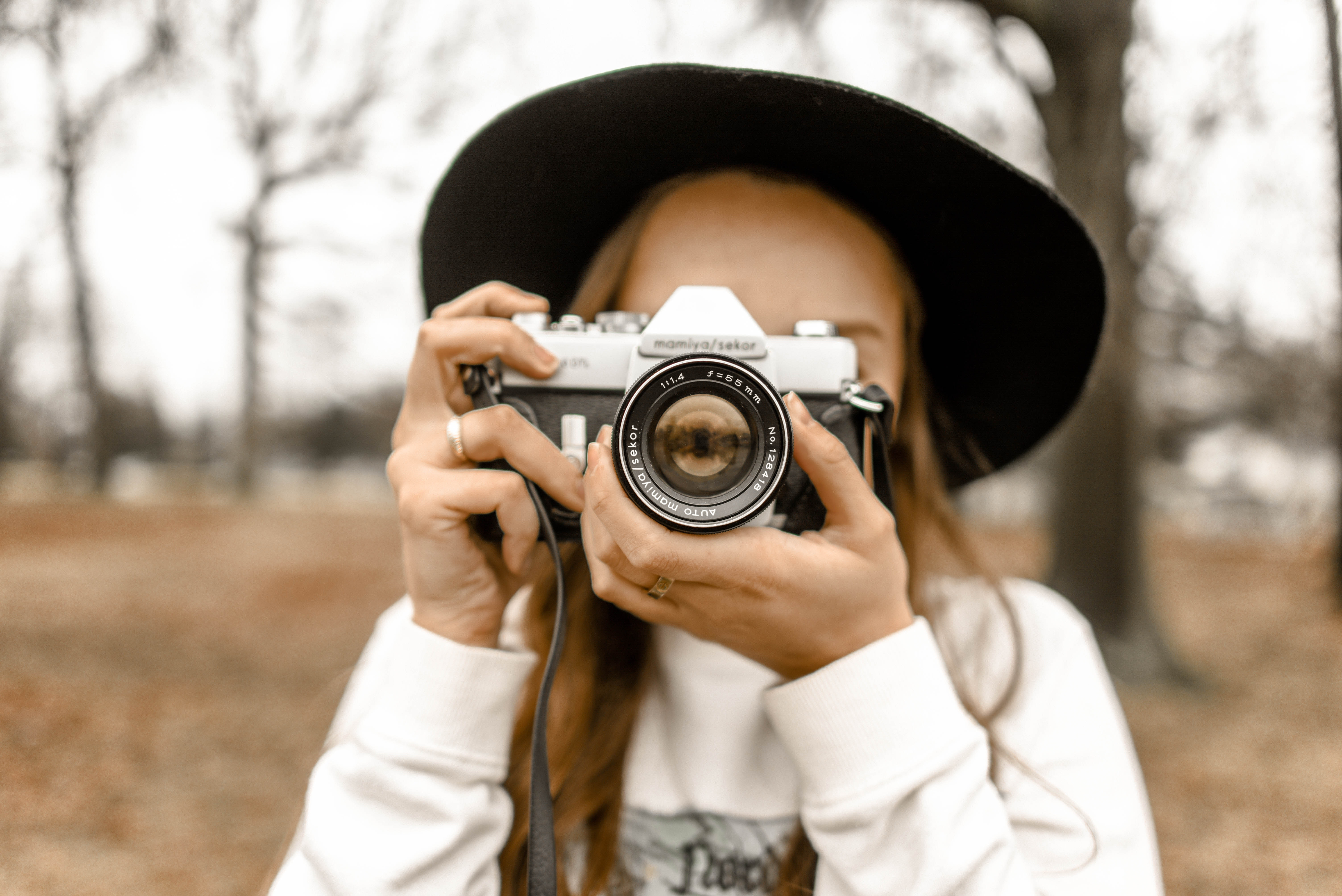 woman doing phtography